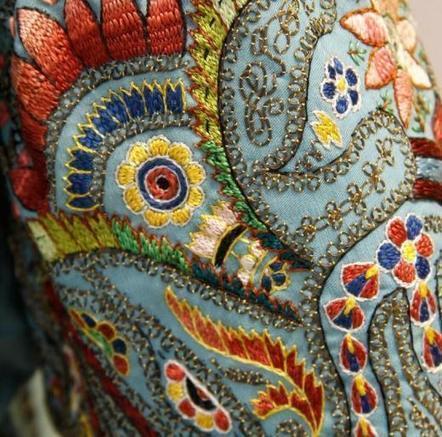 39 tissu de luxe 39 in tissu d 39 ameublement art textile et for Beaux tissus d ameublement