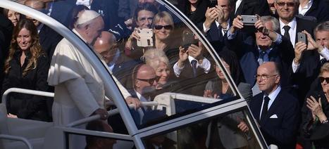 Le pape François veut décentraliser le pouvoir dans l'Église - Le Figaro | Echos des Eglises | Scoop.it