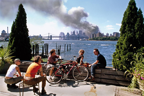 The meaning of 9/11's most controversial photo | PHOTO : PⒽⓄⓣⓄ ⅋ + | Scoop.it