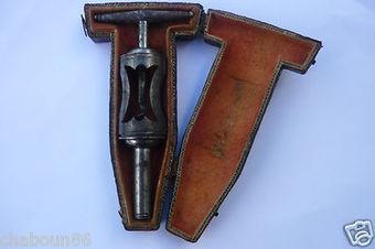 Magnifique et rare tire bouchons datant du 18 ème siècle dans sa boite d origine   Les Amis du Tire-bouchon   Scoop.it
