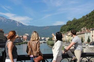 L'OT Grenoble-Alpes Métropole cherche ses Greeters | | activités à grenoble | Scoop.it