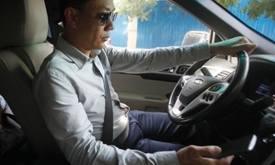 'Siri, stop distracting me': controlling smartphones while driving is dangerous, study finds | Urban Mobility | Scoop.it