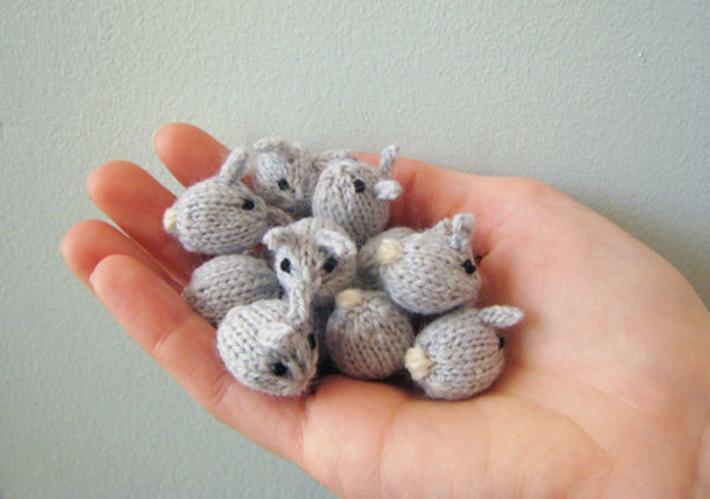 The Fuzzy Corner: Knitting Recipe - Tiny Baby Bunnies | Kitsch | Scoop.it