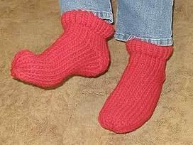 YARNGEAR: A Knitting & Crochet Blog: Knifty Knitter Socks   bricolo   Scoop.it