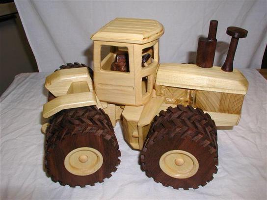 Деревянный трактор своими руками 72
