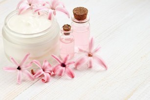 5 Remarkable Natural Flower Oils and their Health Usages | Aromaaz International - Buy Pure and Natural Essential oils at Wholesale prices | Scoop.it