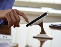 Ce support charge aussi l'iPhone avec élégance | L'actualité du monde des smartphones | Scoop.it