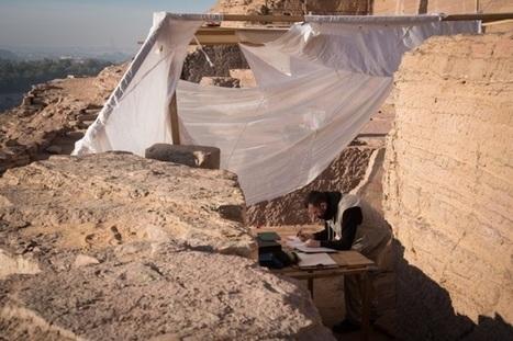 Un equipo de arqueólogos andaluces excavan una colina en Asuán en busca de la Historia de Egipto | Egiptología | Scoop.it