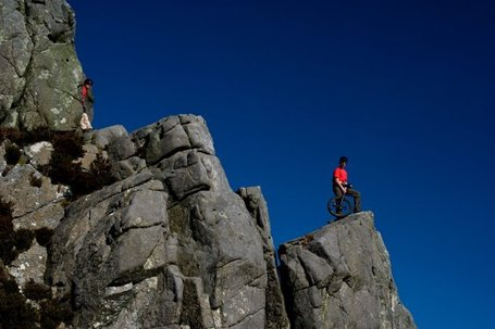 Thrillseeking Brits risk life and limb flying down cliff faces on UNICYCLES | Funteresting Stuff | Scoop.it
