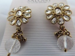 Clear Diamanty Earring & Butterfly Earring for the price of one | Interesting box | Scoop.it