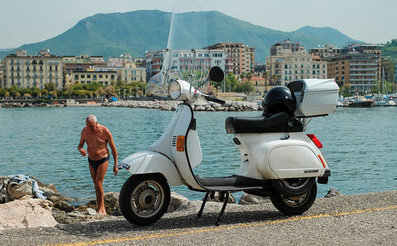 'Vespa grandpa' drives 45 years without licence | Vespa Stories | Scoop.it