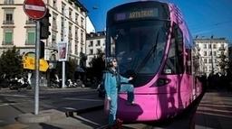 Pipilotti Rist habille un tram de rose | SNOTPG - Site Non Officiel des tpg | Scoop.it