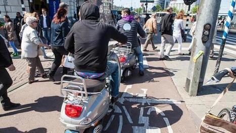 Amsterdam mag snorfiets naar de rijweg verbannen - Amsterdam - PAROOL | Stuka78 | Scoop.it