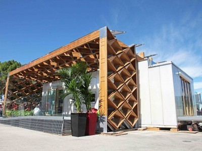 """Sun-Collecting, Parametric """"Skin"""" Surrounds Student-Designed House 