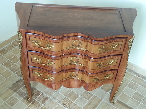 Luxury Classic French Bombe Commode | Luxury Reproduction French antique furniture | Scoop.it