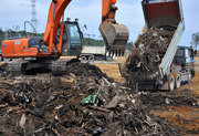 [Eng] Les montagnes de gravats restent un casse-tête à Fukushima | asahi.com | Japon : séisme, tsunami & conséquences | Scoop.it