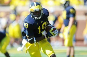 Images from Michigan football team's game against Massachusetts - AnnArbor.com   Sports Photography   Scoop.it