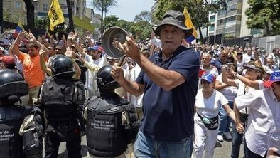 Thousands join Venezuela protest   North an South America   Scoop.it