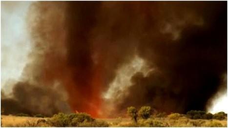 EXPLOSIF – Une tornade de feu éclate dans le désert australien | Merveilles - Marvels | Scoop.it