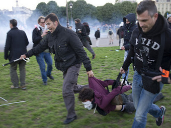 FRANCE: Marriage Protest Ends In Violence, Hundreds Arrested By Riot Police | Daily Crew | Scoop.it