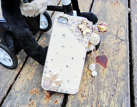 iPhone 4/4s case Cute Crystals Flower Pearl Back Case Best Cover | bling iphone case | Scoop.it