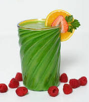 Why You Should Drink Green Smoothies Everyday < Green Food & Drinks | Smoothies | Scoop.it
