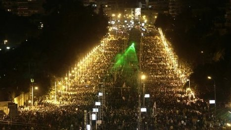 Cairo activists break army cordon | Activism, Protest, Citizen Movements, Social Justice | Scoop.it
