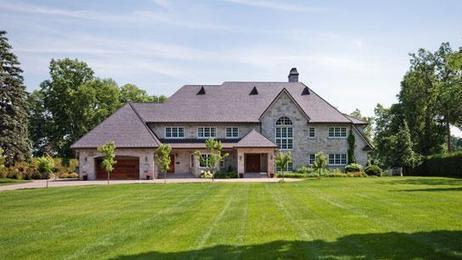 Le PLQ fait bondir les ventes de propriétés de luxe?   Immo Québec   Scoop.it