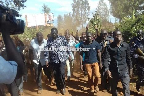 Police block Besigye, fire teargas and live bullets to disperse supporters | Trending in Uganda | Scoop.it