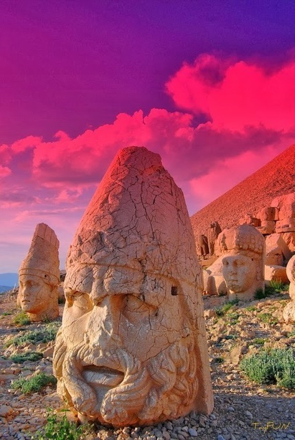 Robby Ball – Google+ - Ruins on Mount Nemrut, Turkey. The burial site of kings,… | News from Syria | Scoop.it