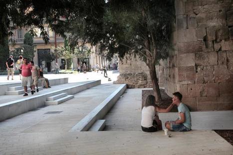 Barcelona elimina barreras y permite acceder a su muralla | LVDVS CHIRONIS 3.0 | Scoop.it