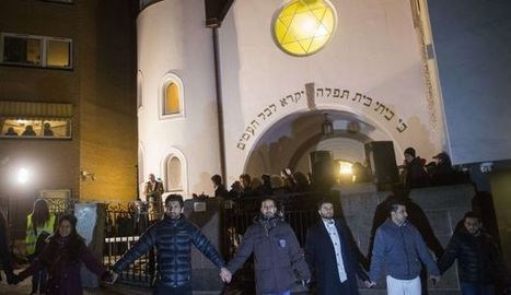More than 1,000 Muslims form 'peace ring' around Oslo synagogue - Jewish World News | Radical Compassion | Scoop.it