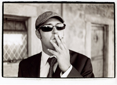 Man in cap © Edward Olive wedding event portrait photographer from Madrid Spain | Bodas | Scoop.it