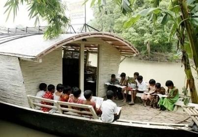 Στο τελευταίο θρανίο της Πάτρας: Σχολεία βάρκες στο Μπακγλαντές   Μαθητής στο Άδελε   Scoop.it