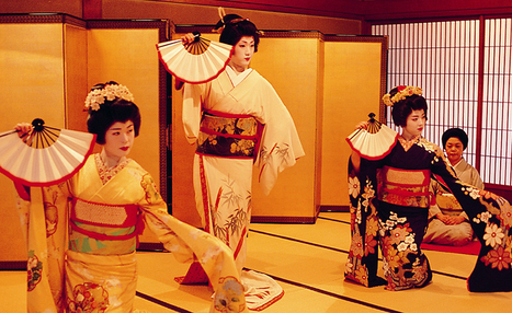 Geisha Women During a Fan Dance | A Long Way Gone: Child Soldiers | Scoop.it