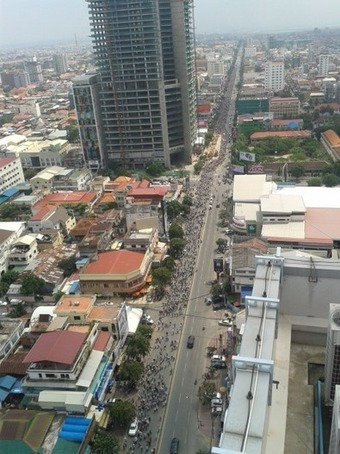 CNRP's Protest Culminates in 25000-Strong Street March - The Cambodia Daily (subscription) | real utopias | Scoop.it