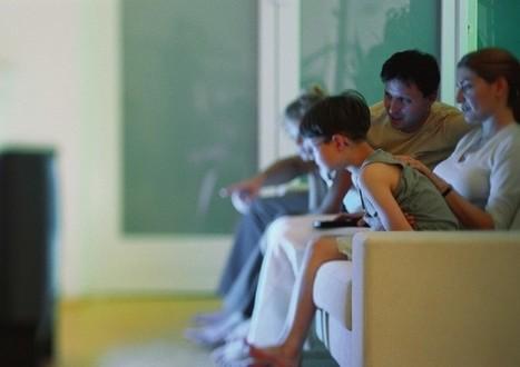 Faut-il regarder les journaux télévisés avec ses enfants? | La Croix | CLEMI. Infodoc.Presse  : veille sur l'actualité des médias. Centre de documentation du CLEMI | Scoop.it