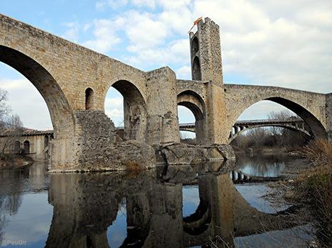 Puente medieval en Besalú | Una imagen lo dice todo | Scoop.it