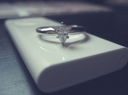 9 Steps for Buying an Engagement Ring by a Clueless Guy - Beach Wedding Ideas | Engagement Rings | Scoop.it