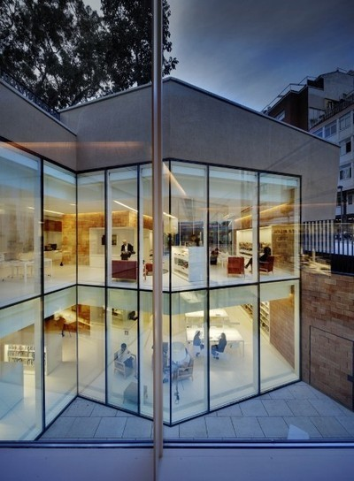 Une coquette bibliothèque baignée de lumière   Détails d'Architecture   Architecture et aménagement en bibliothèque   Scoop.it