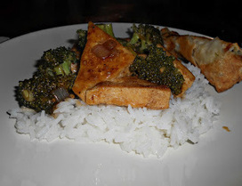 Hezzi-D's Books and Cooks: Tofu with Garlic and Broccoli: Meatless Monday | Food for Foodies | Scoop.it