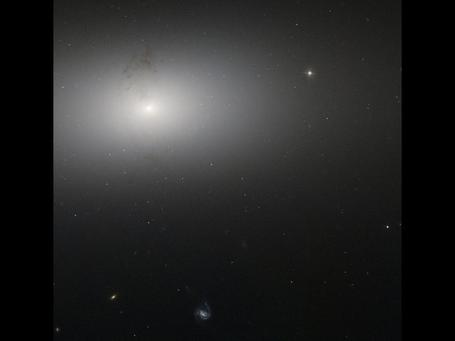 Hubble Catches Dusty Detail | Unknown Knowledge | Scoop.it