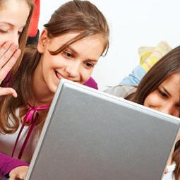 ¿Qué cuentan los jóvenes sobre su vida digital? Facebook empieza a quedarse atrás : Marketing Directo   MKTips   Scoop.it