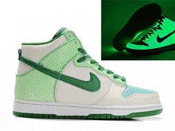 Nike glowing shoes,glow in the dark nikes | Superman Nike Shoes Superhero Dunks | Scoop.it