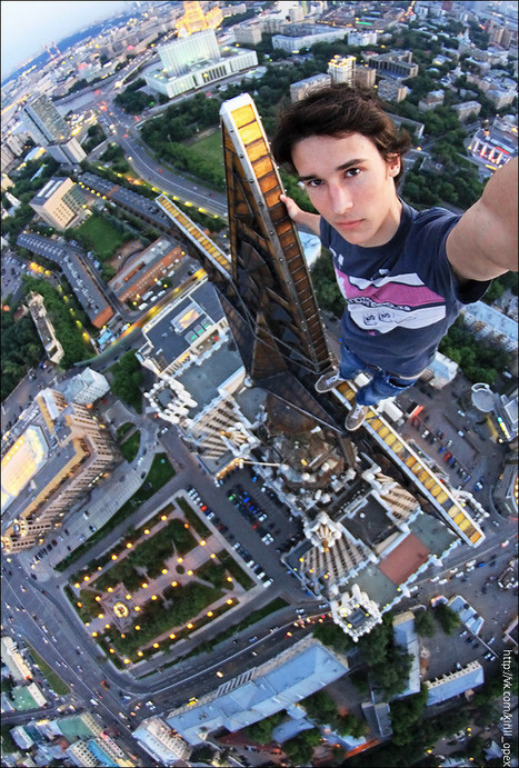 Interesting Photo of the Day: Rooftop Self Portrait | xposing world of Photography & Design | Scoop.it