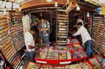 Shimla dressing up for the festival of lights, shopkeepers cashing in on Karva Chauth   About Shimla   Scoop.it