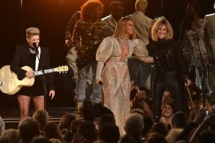 Beyoncé vole la vedette aux récompenses de la musique country | L'actu country pour les pottoks | Scoop.it