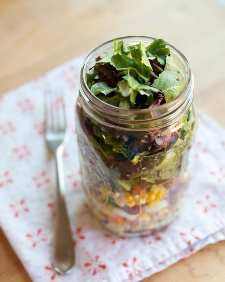 How to Pack the Perfect Salad in a Jar — Cooking Lessons from The Kitchn | JPKC - Welcome to My World....Travel, Food & Lifestyle | Scoop.it