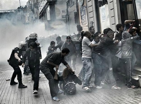 Protesters Face Riot Police, Water Cannons On Anniversary of Turkey's Uprisings | The Unpopular Opinion | Scoop.it