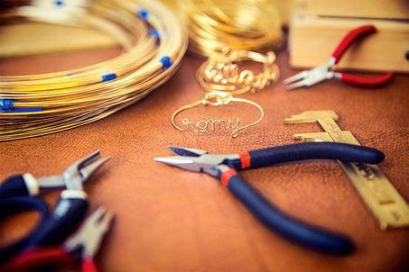 L'artisanat «Made in Paris» retrouve ses couleurs | L'Etablisienne, un atelier pour créer, fabriquer, rénover, personnaliser... | Scoop.it